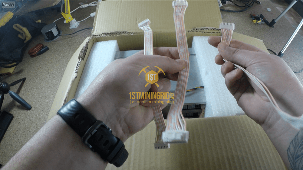 BlackMiner-F1-Unboxing-5-hashboard-cables